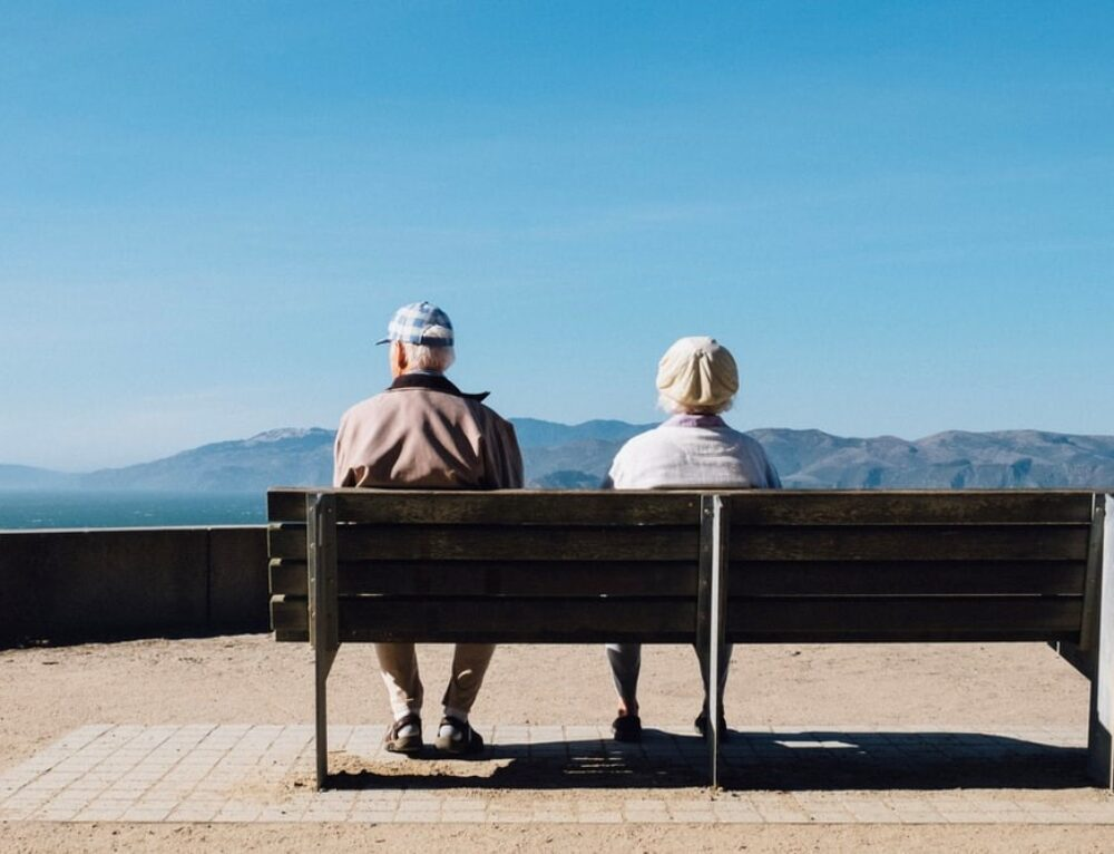 3 Life-Changing Benefits of CBD For Seniors