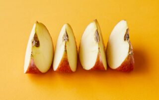 Apple slices placed in a line